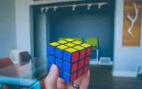 Американец установил новый рекорд по сборке кубика Рубика