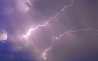 Во Франции молния ударила по кэмпингу с подростками