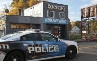 Две группы американских полицейских под прикрытием напали друг на друга