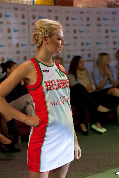 Женская команда беларуссии в платьях