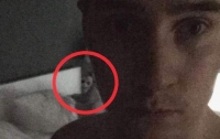 В Швеции на фото мужчины случайно попало жуткое приведение