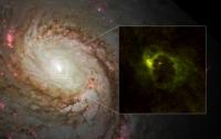 Ученые получили снимок структуры вокруг черной дыры