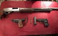 Криворожанину присылали оружие из зоны ООС для