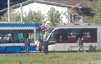 На вокзале в Киеве столкнулись скоростные трамваи