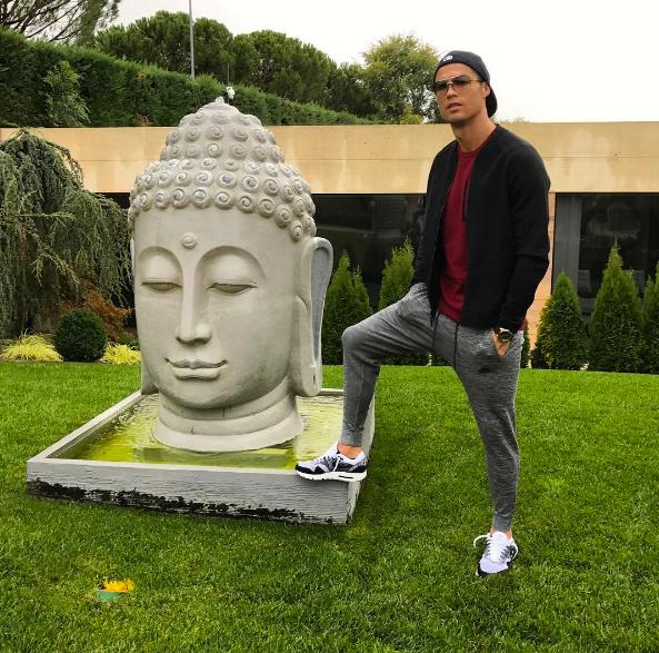 Криштиану Роналду навлек насебя гнев буддистов