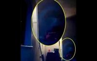 Англичанку пугают призраки в квартире (видео)