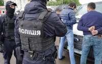 На Львовщине вымогатели на границе требовали дань с пассажиров и водителей
