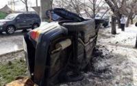 Авария в Одессе: авто врезалось в бетонный столб, есть погибшие