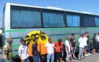 Полиция задержала 17 нелегальных мигрантов в Одессе (видео)