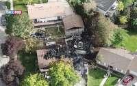 Авиакатастрофа в США: самолет упал на жилые дома