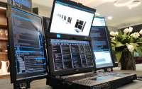 Для разработчиков представили ноутбук с семью экранами Aurora 7