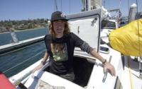 17-летный американец в одиночку совершил кругосветное плавание
