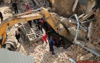 В центре Винницы рухнула стена дома, людей доставали из-под обвалов