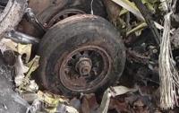 Самолет разбился на поле для гольфа, есть погибшие