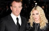 Мадонна потребовала арестовать своего бывшего мужа Гая Ричи