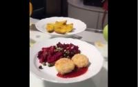 Премьер-министр утверждает, что в школах начали подавать вкусные и красивые блюда