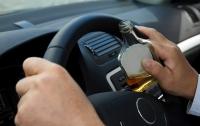 Пьяный водитель представился