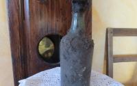 Бутылку вина эпохи Людовика XVI продали за $120 тысяч
