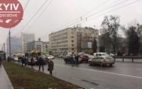 Масштабное ДТП в Киеве: почти заблокировано движение к Шулявке