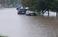 Вместе с Киевом под воду ушла столица соседней страны (видео)