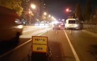 Авария в Киеве: водитель-нарушитель сбил мужчину на переходе