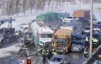 Масштабное ДТП: в Канаде столкнулись 200 автомобилей