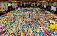 Самая большая в мире картина собрала $60 млн для детей, пострадавших от коронавируса
