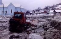 В Закарпатской области в селевой поток попала легковушка с пассажирами