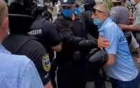 В Харькове произошел бунт под коронавирусной больницей