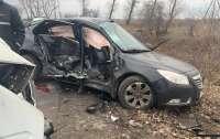 Под Киевом Opel столкнулся с
