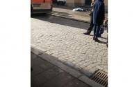 Женщину убило глыбой льда, упавшей с Преображенской церкви во Львове (видео)