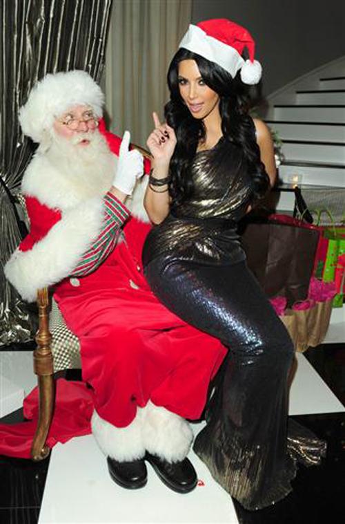 Звезды в новогодних нарядах (ФОТО): http://www.bagnet.org/news/showbiz/95427