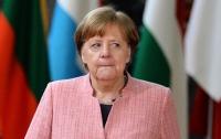 Меркель продолжает демонстрировать антиукраинское настроение?