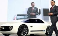 Компания Honda планирует создать электрический автомобиль, батарея которого будет заряжаться за 15 минут