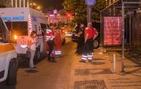 В Киеве обезумевший парень выбегал на дорогу и резал вены