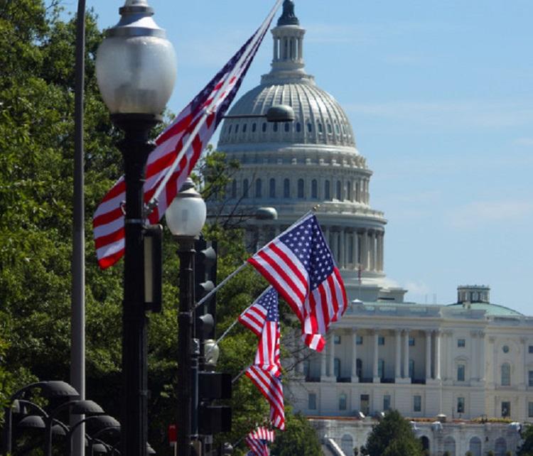 Конгресс слушает еще двух чиновников по делу об импичменте Трампу