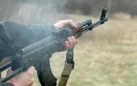 В Донецкой обл. военный устроил стрельбу в квартире