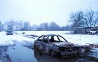 Автомобиль с водителем сгорел на трассе в Винницкой области