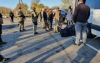 Между полицией и добровольцами на Луганщине произошло столкновение