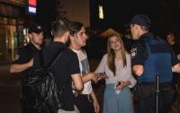 Киевские полицейские укладывали спать сотню пьяных студентов КНТЭУ