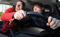 Экзамены для водителей будут снимать на видео