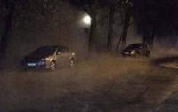 ЧП в Киеве: у парка КПИ улицу полностью залило кипятком
