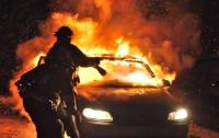В Днепре с разницей в пять минут сгорело два автомобиля