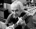Первый гитарист ДДТ умер от рака лёгких
