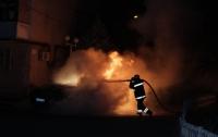 В Киеве ночью сгорел элитный автомобиль