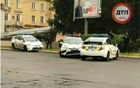 Авария в Кривом Роге: столкнулись три полицейских авто