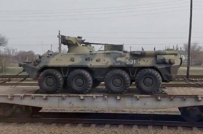 Жители Воронежа наблюдали, как военная техника доставляется к украинским границам