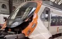 В Испании поезд врезался в платформу: полсотни раненых (видео)