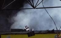 В Полтаве мощный пожар охватил центральный рынок, есть пострадавшие (видео)