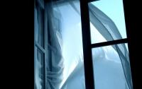 В Одессе из окна многоэтажки выбросили пенсионерку